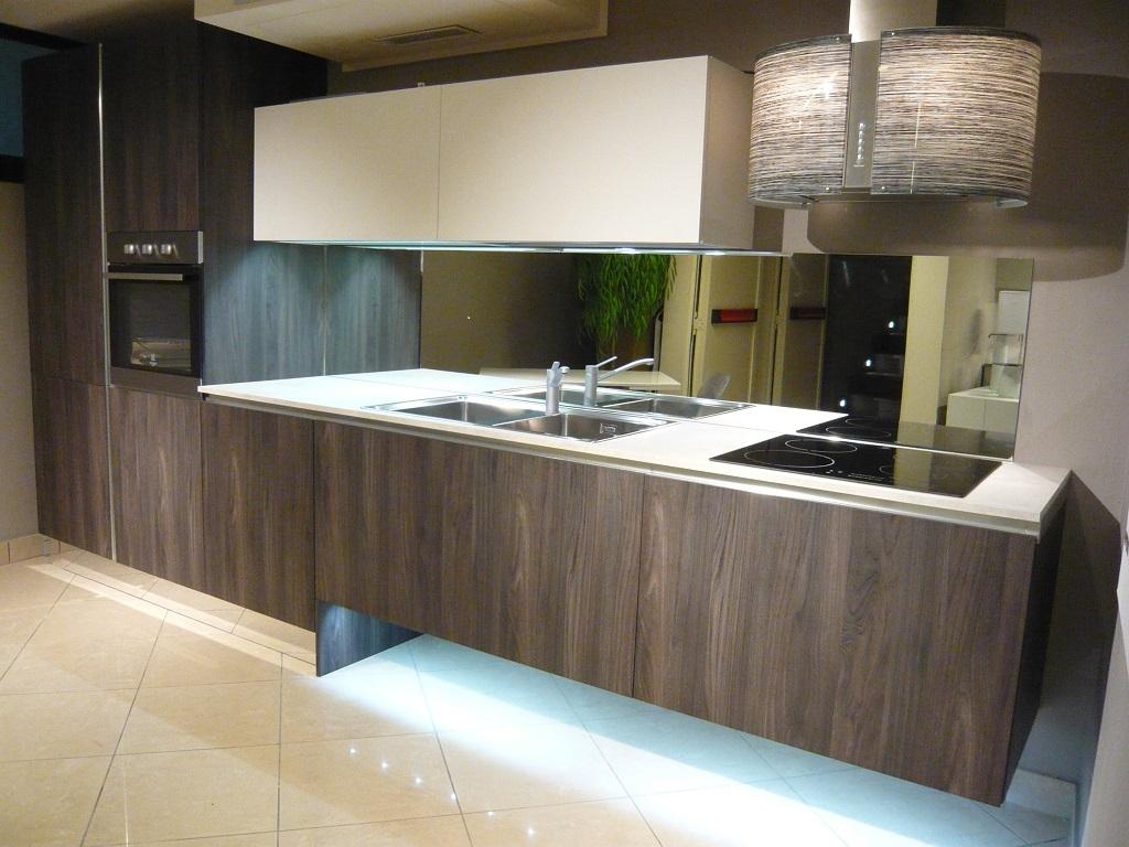 Emejing Cappe Cucina Sospese Contemporary - Home Interior Ideas ...