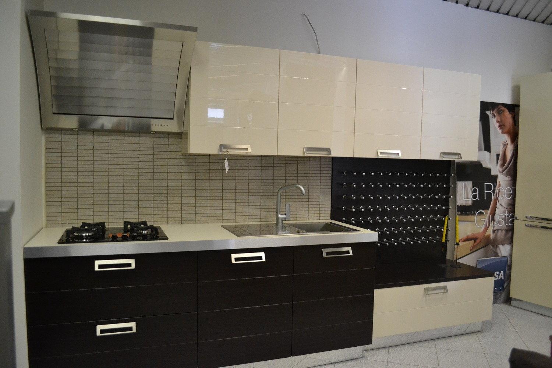 Cucina stosa ante polimerico cucine a prezzi scontati - Ante per cucina laccate prezzi ...