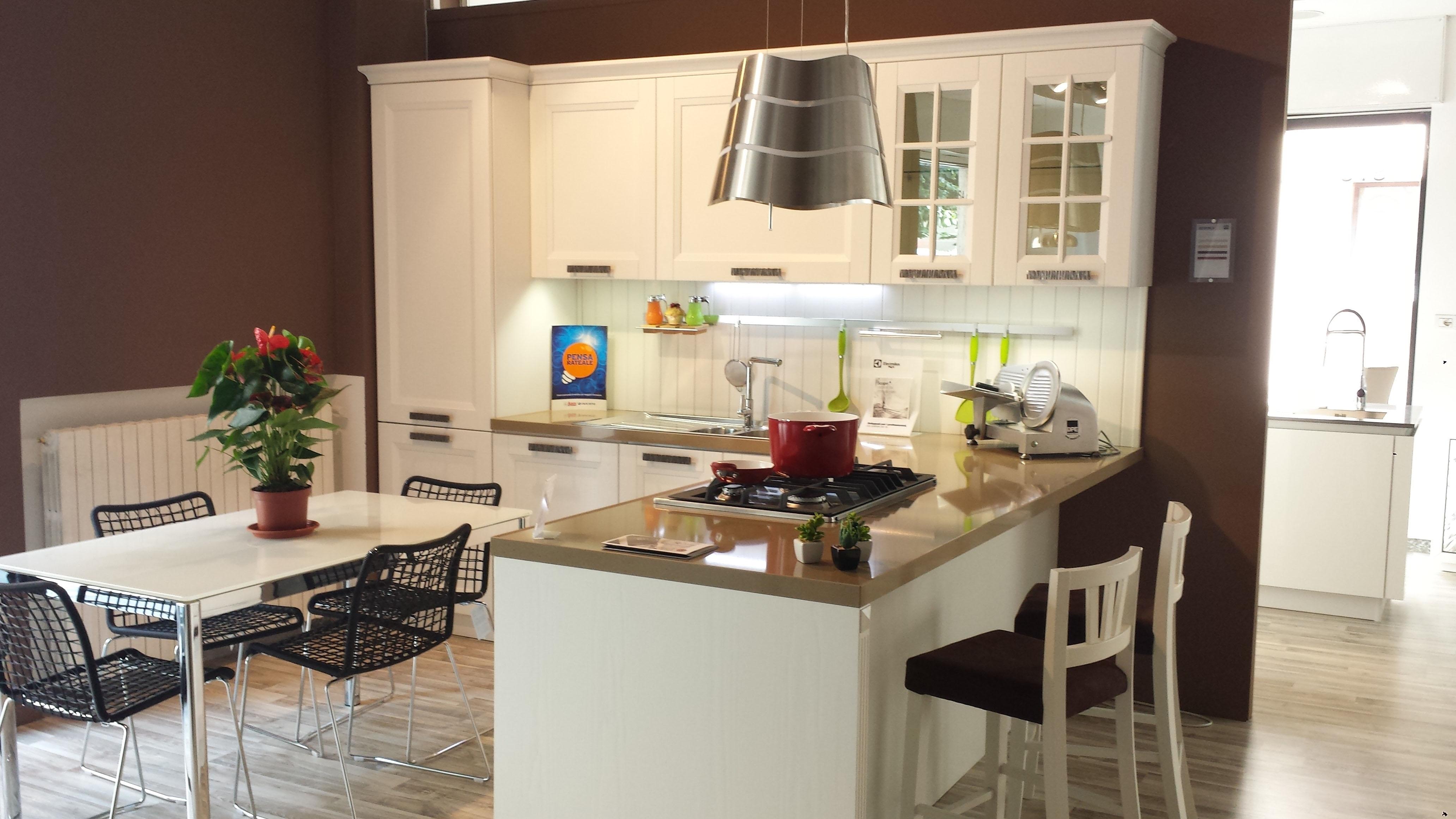 Cucina Stosa BEVERLY in offerta esposizione - Cucine a ...