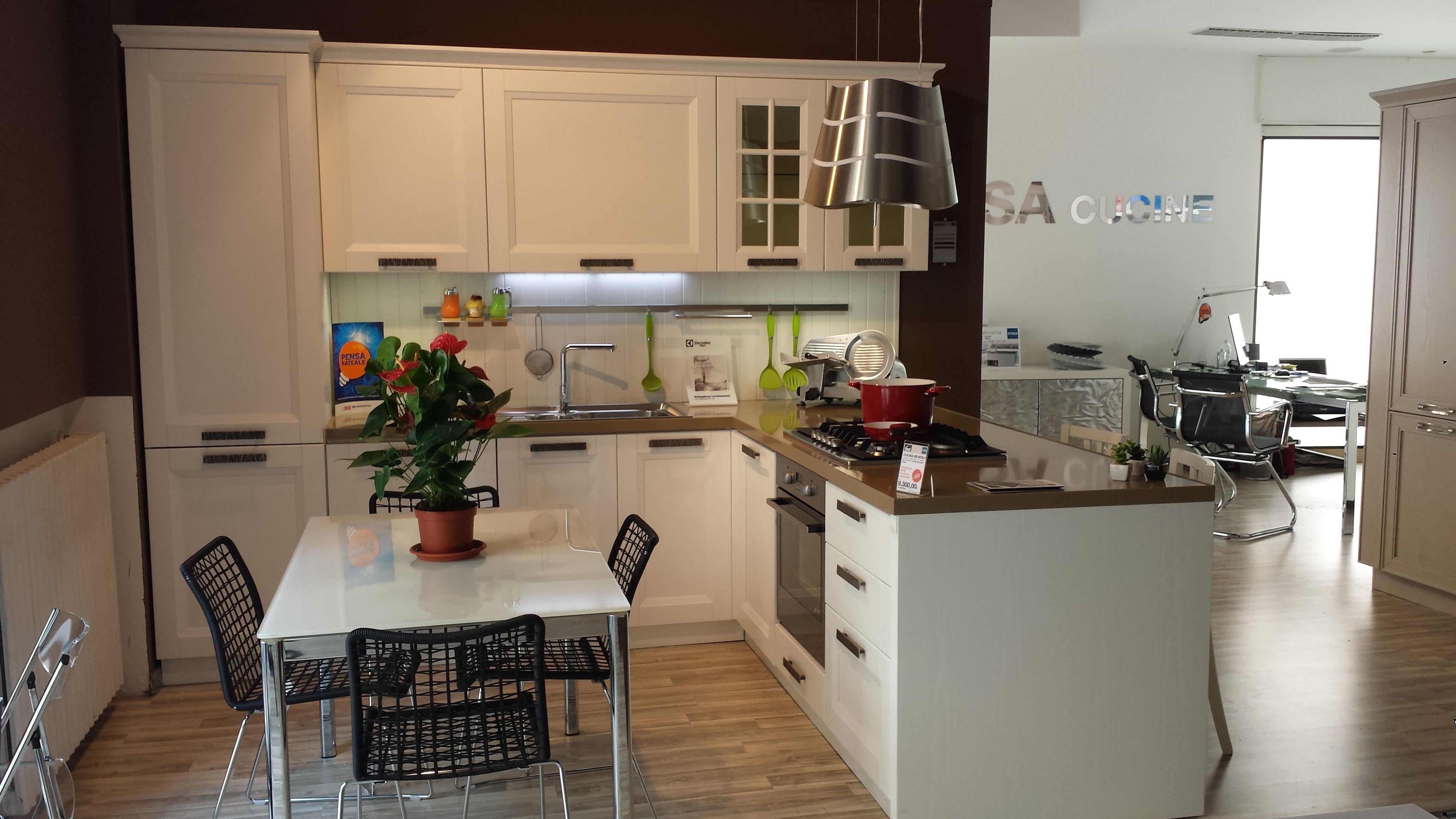 Cucina Contemporanea Bianca: Cucina stosa beverly in promozione cucine ...