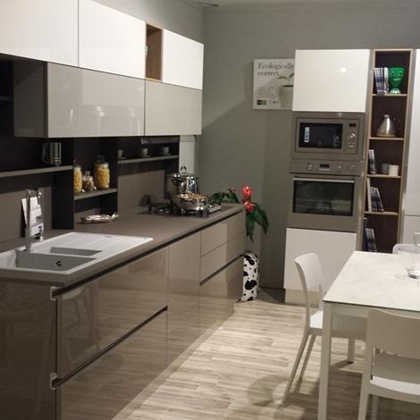 Cucina stosa cucine alev rinnovo esposizione cucine a prezzi scontati - Cucine esposizione outlet ...