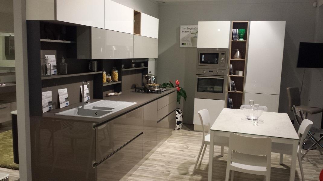 Cucina stosa cucine alev rinnovo esposizione cucine a - Cucine buone ...