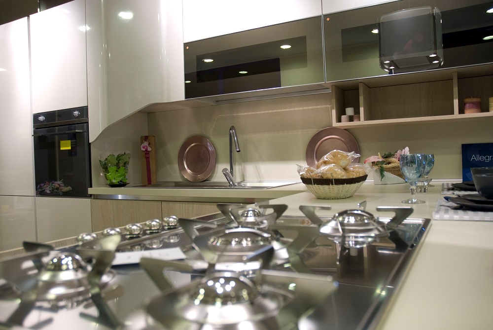 Strisce in polistirolo x abbellire casa for Abbellire casa