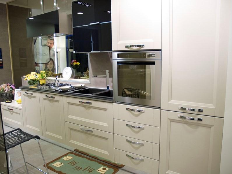 Stosa Cucine Beverly completa di elettrodomestici scontata del 68%