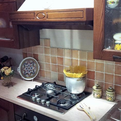 Cucina classica in noce stosa cucine focolare a prezzo for Stosa cucine prezzi