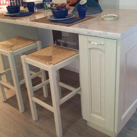 Cucina Stosa Cucine Ginevra legno laccato vaniglia decapè scontato ...