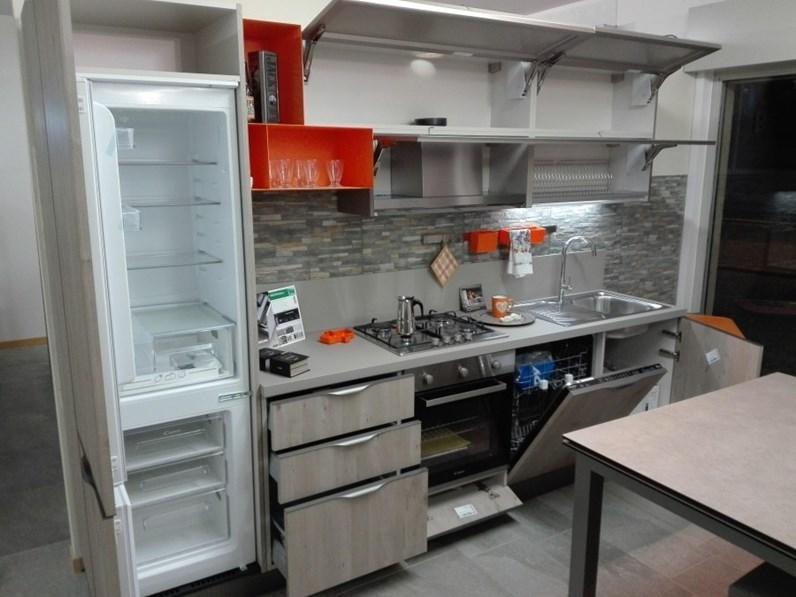 Cucina stosa cucine maya aliant prezzo outlet - Prezzo cucina stosa ...