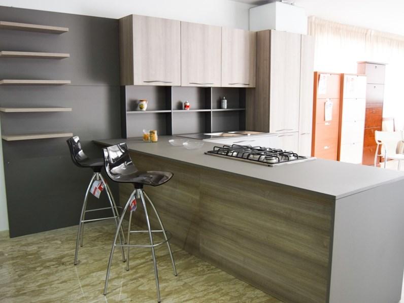 Cucina Stosa Cucine Mod Maya Con Penisola Scontato Del 65