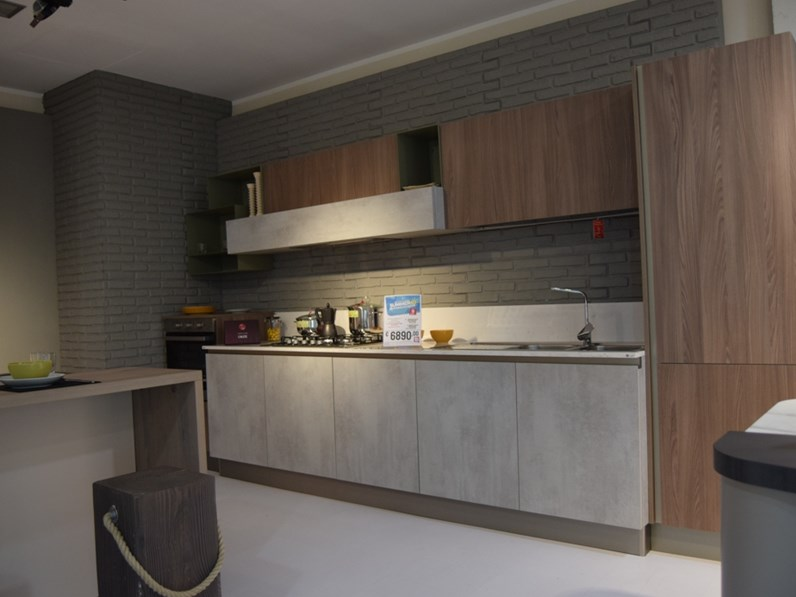 Cucina Stosa Cucine Modello Infinity lineare in legno a prezzo ribassato 43%