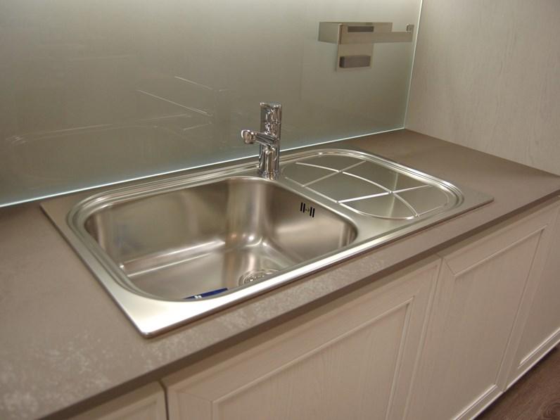 Cucina stosa cucine moderna lineare bianca in legno maxim - Cucina bianca moderna lineare ...