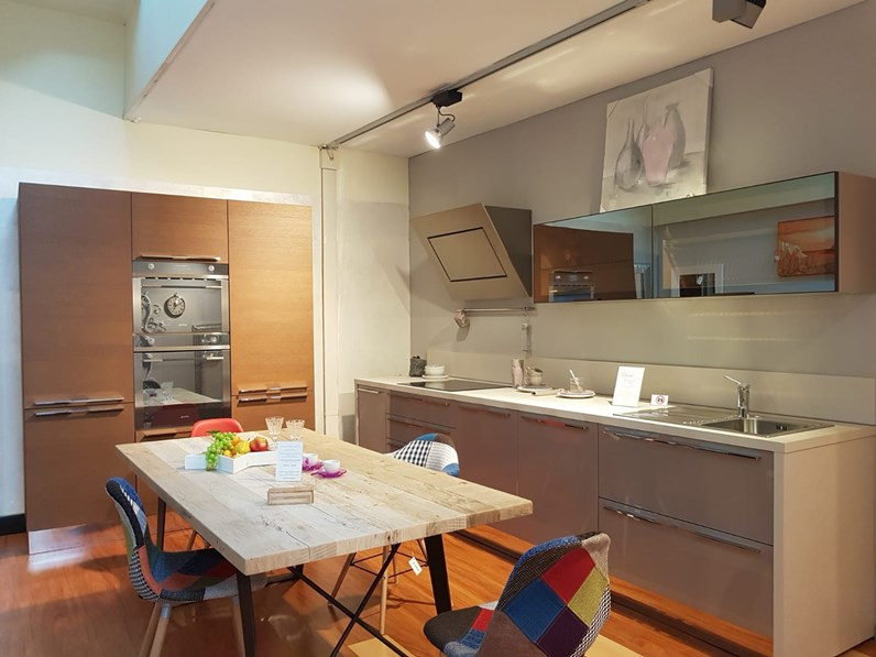Cucina Stosa cucine moderna lineare tortora in laccato lucido Life