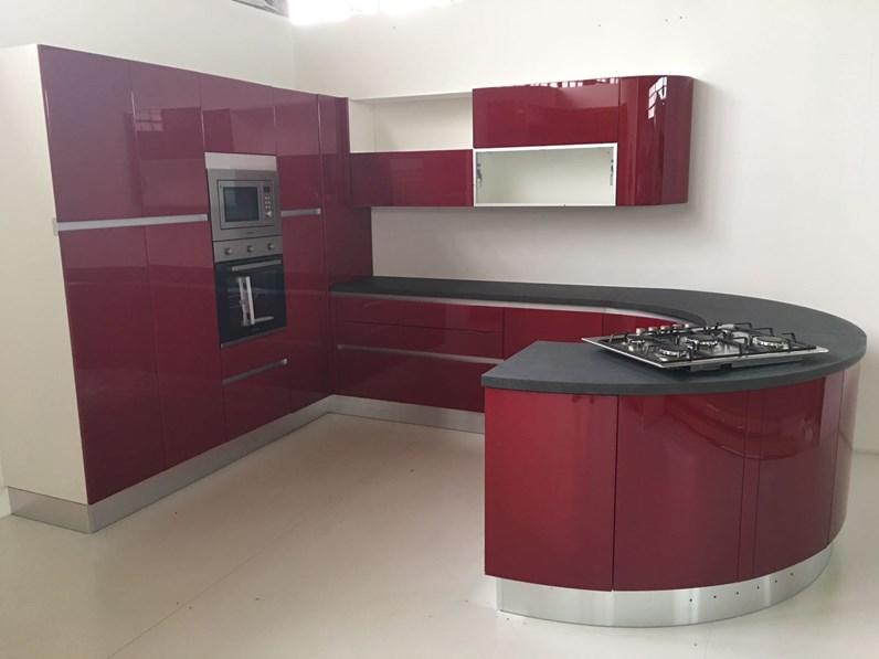 Cucina tonda maior cucine scontata del 79 cucine a - Cucina laccata rossa ...