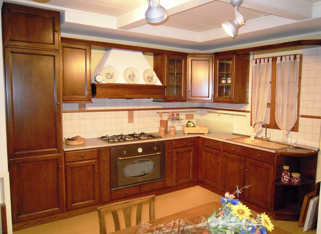 Cucina torchio noce cucine a prezzi scontati - Colore parete cucina noce ...