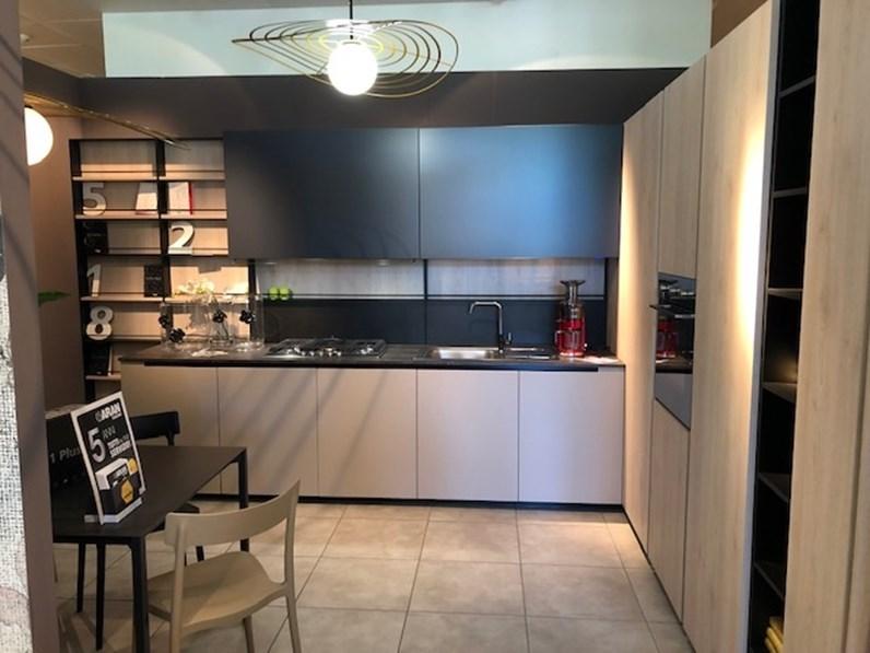 Cucina tortora design ad angolo cucina lab 13 aran cucine for Cucine di design outlet