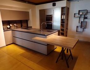 Cucina tortora design con penisola Zen Astra cucine in Offerta Outlet