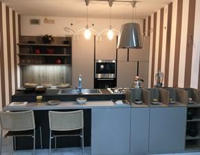Cucina tortora moderna con penisola Kalì pet opaco  mokaccino maximatt e  vulcano Arredo3 in Offerta Outlet