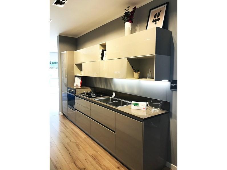 Cucina tortora moderna lineare Evolution Scavolini in Offerta Outlet