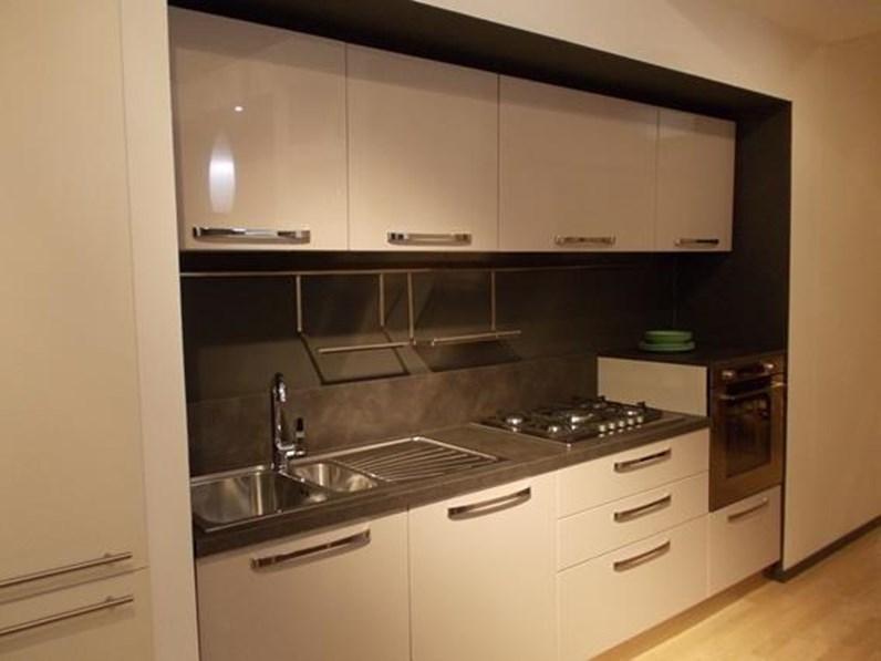 Cucina tortora moderna lineare siria arredo3 scontata for Arredo 3 rivenditori