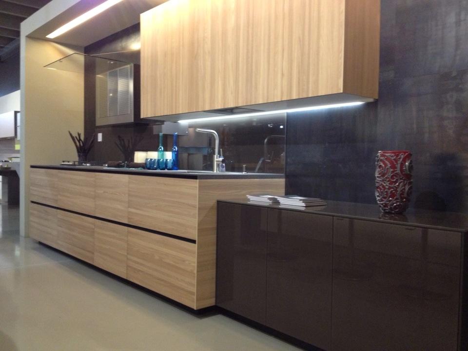 Stunning cucine valcucine prezzi photos home ideas for Vitale arredamenti benevento