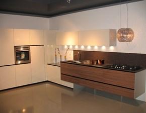 Cucina Valcucine design ad angolo noce in legno Artematica noce tattile