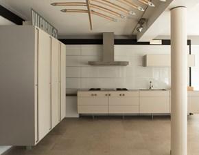 Cucina Valcucine industriale lineare bianca in vetro Artematica laccata