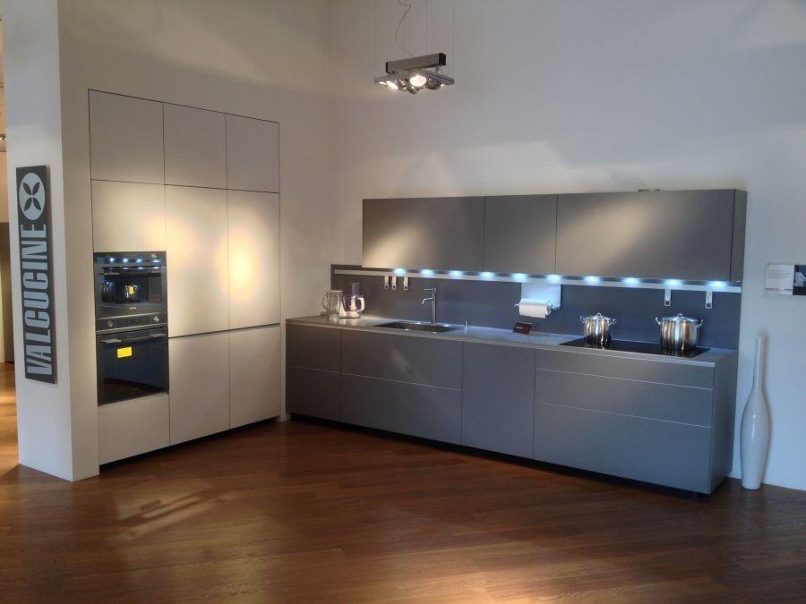 Cucina valcucine riciclantica laminato cera full color for Cucine valcucine