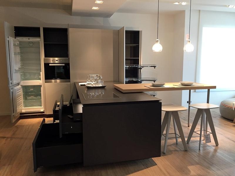 Cucina Varenna Artex scontato del -40 % con Elettrodomestici Miele - Cucine a...
