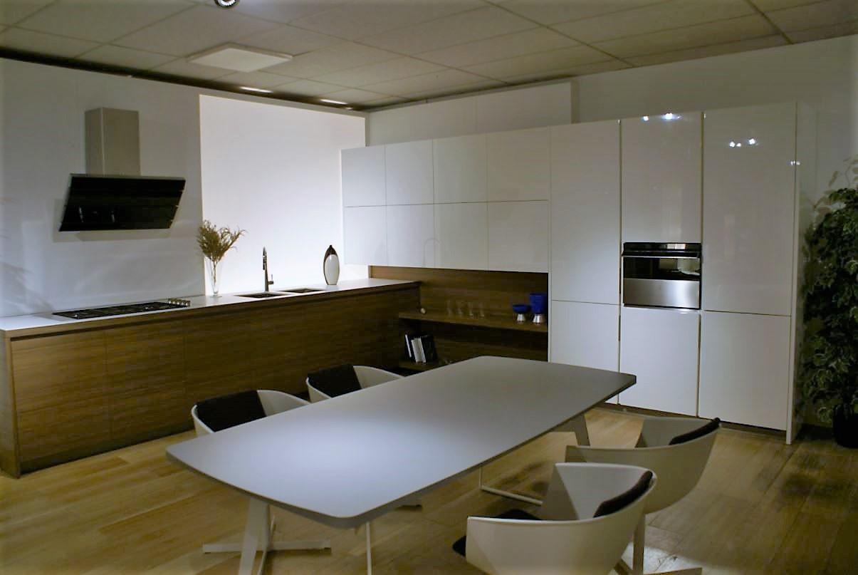 Cucina Minimal Varenna : Pics Photos - Outlet Home Outlet Cucine ...