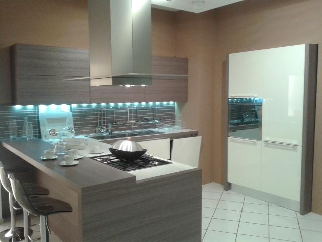 Cucina veneta cucine 21472 cucine a prezzi scontati - Prezzi veneta cucine ...