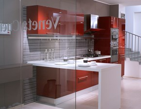 Cucina Veneta Cucine Extra con maniglia laccato lucido rosso amaranto Moderno Laccato Lucido Rossa