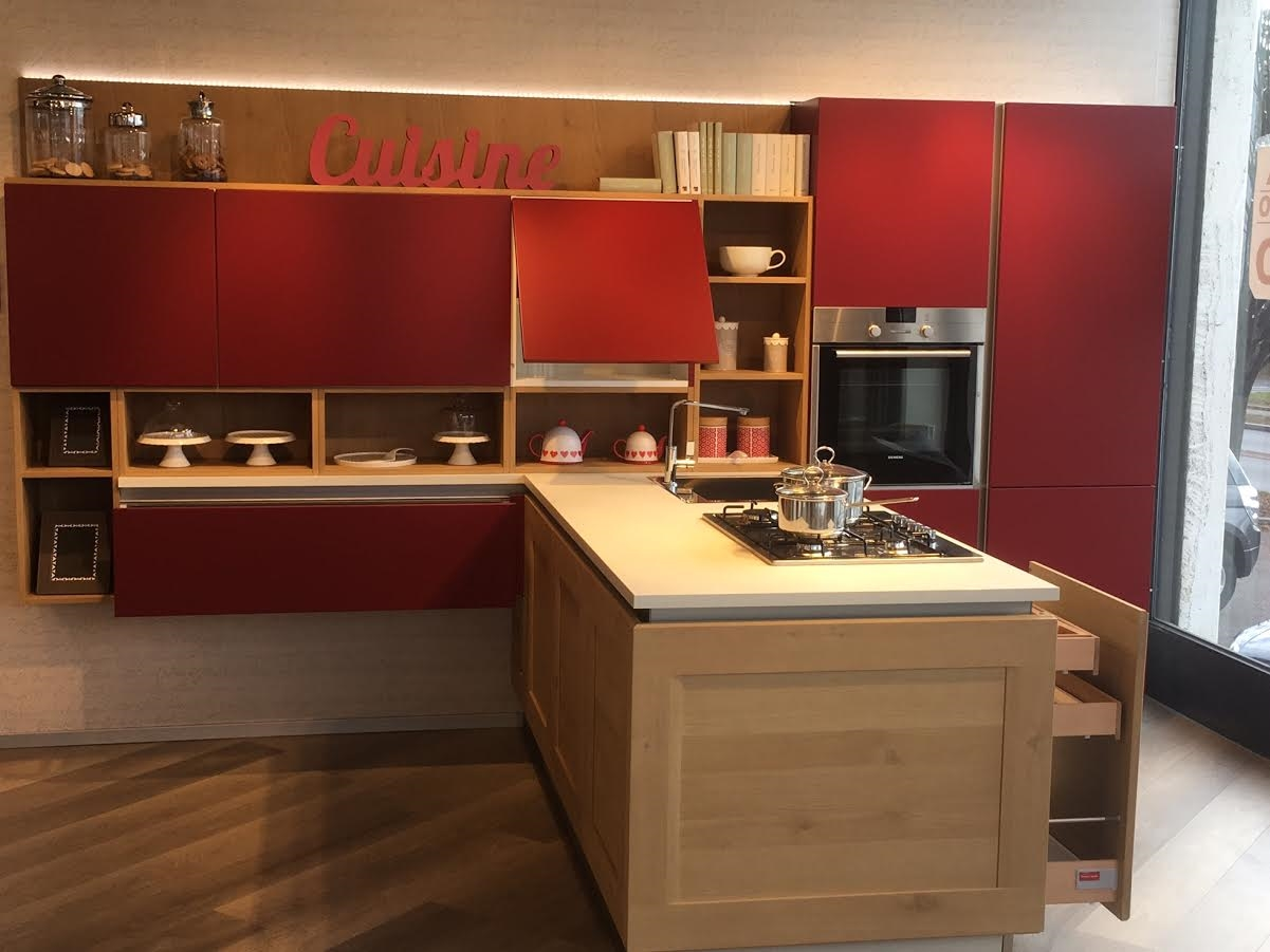 Offerta Cucina Dialogo Di Veneta Cucina In Legno Massello Rovere #A62D25 1201 901 Open Space Con Sala Da Pranzo
