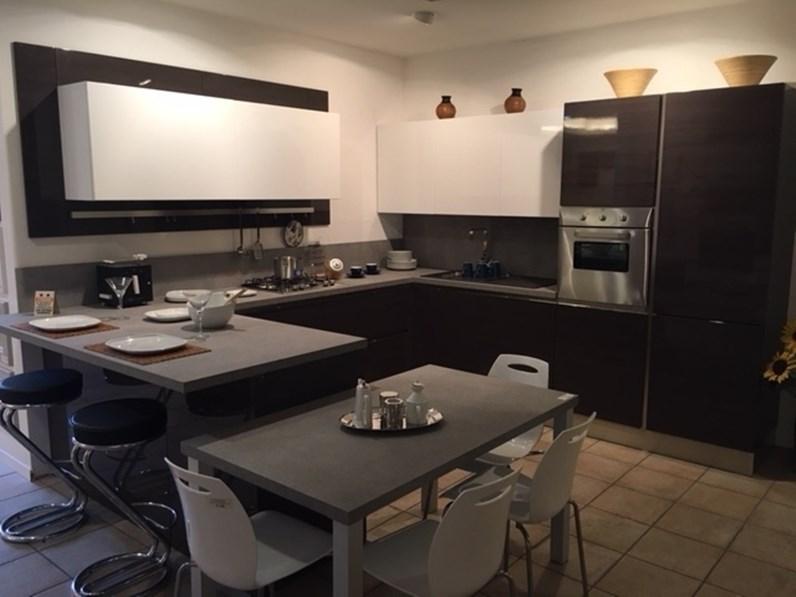 Cucina Veneta cucine moderna ad angolo grigio in polimerico lucido Carrera  go