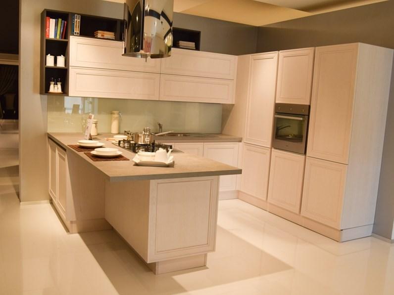 Veneta Cucine Bianca.Cucina Veneta Cucine Moderna Con Penisola Bianca In Legno Elegante