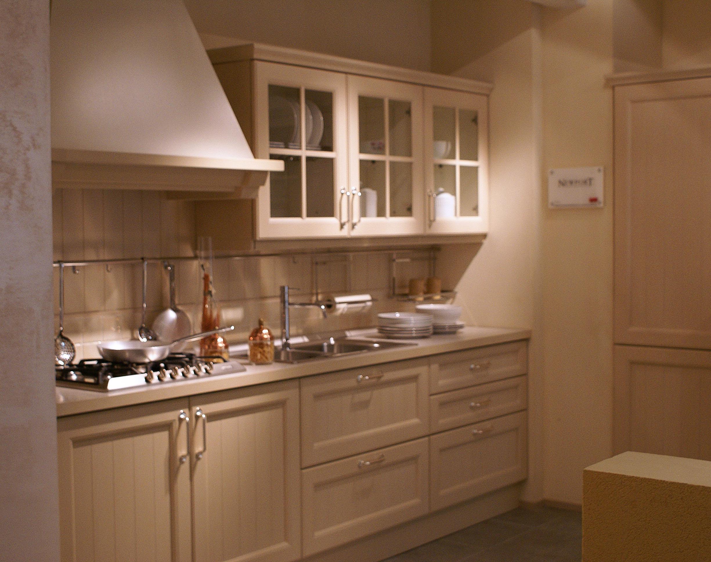 Cucina veneta cucine newport legno rovere cipria country - Cucine veneta prezzi ...