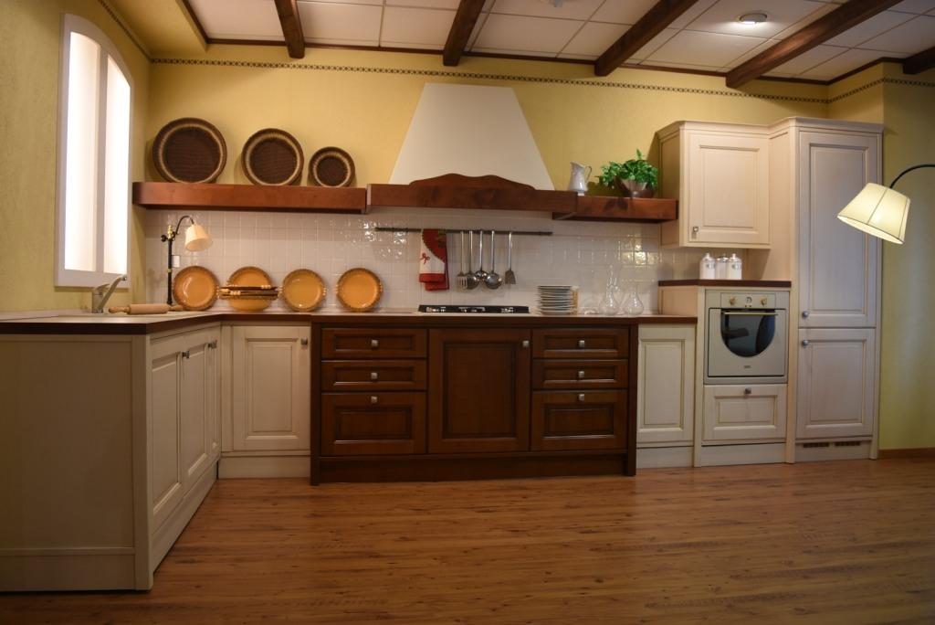 Cucina veneta cucine roccafiorita classiche legno cucine - Veneta cucine prezzi outlet ...