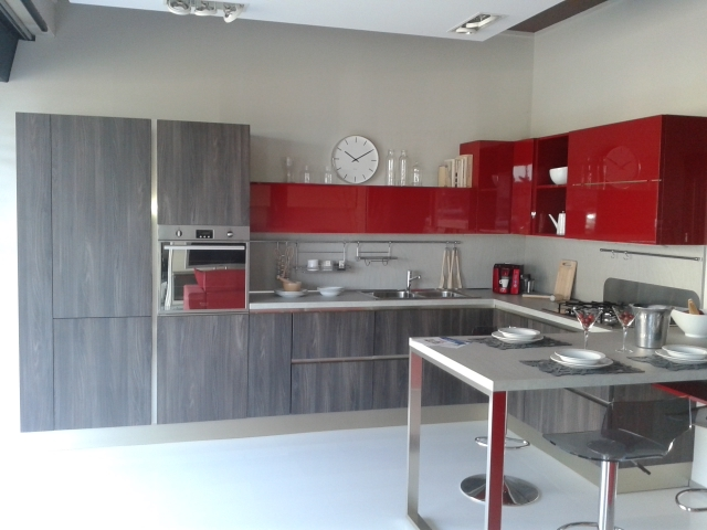 Veneta cucine cucina start time go 28 scontato del 55 for Cucine rosse moderne