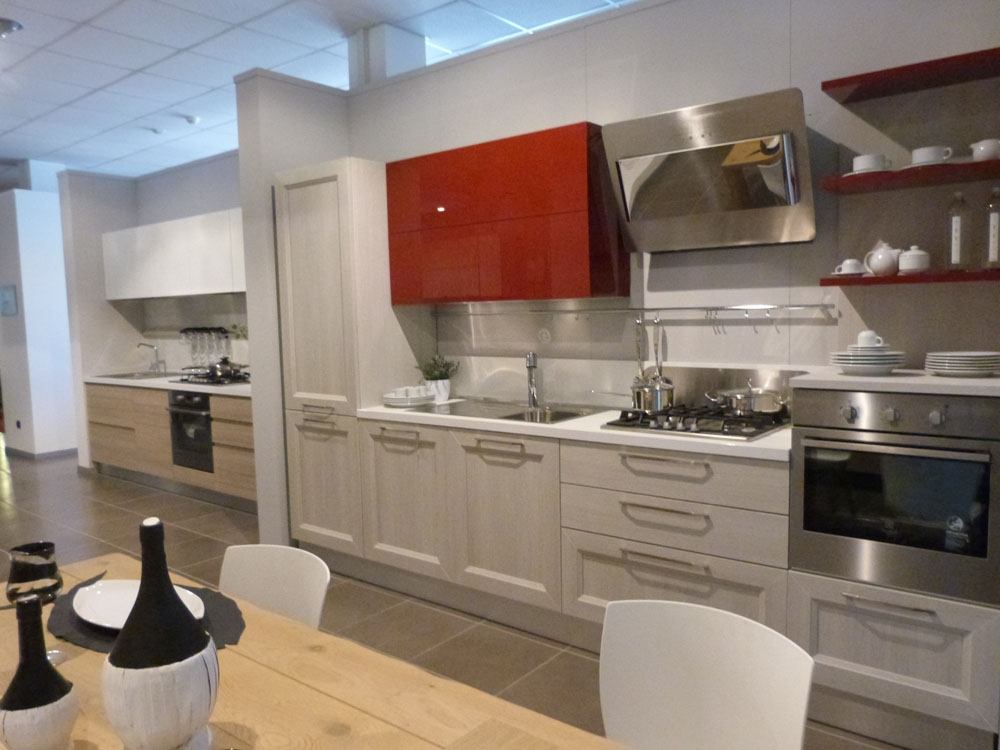 Veneta Cucine Moderna in laminato Rovere link e Laccato Lucido ...