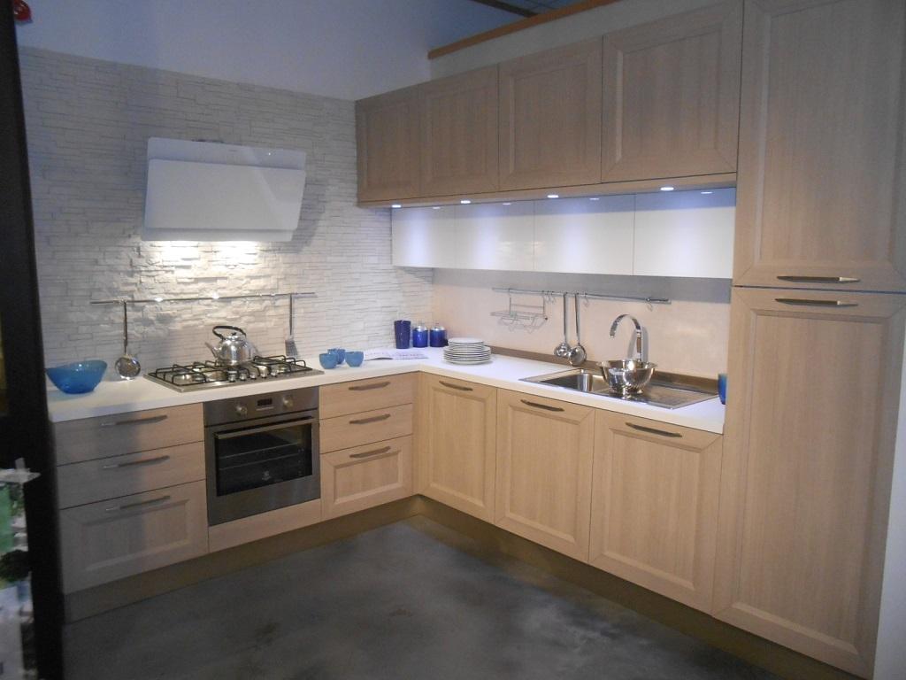 Cucina veneta cucine tablet scontato del 45 cucine a - Prezzi veneta cucine ...