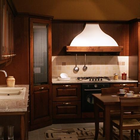 outlet Cucina Veneta Cucine Verdiana maniglia legno anticato Classico Legno Noce