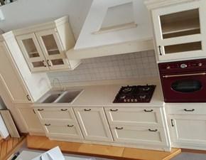 Cucina Visentin classica lineare bianca in legno Teuta