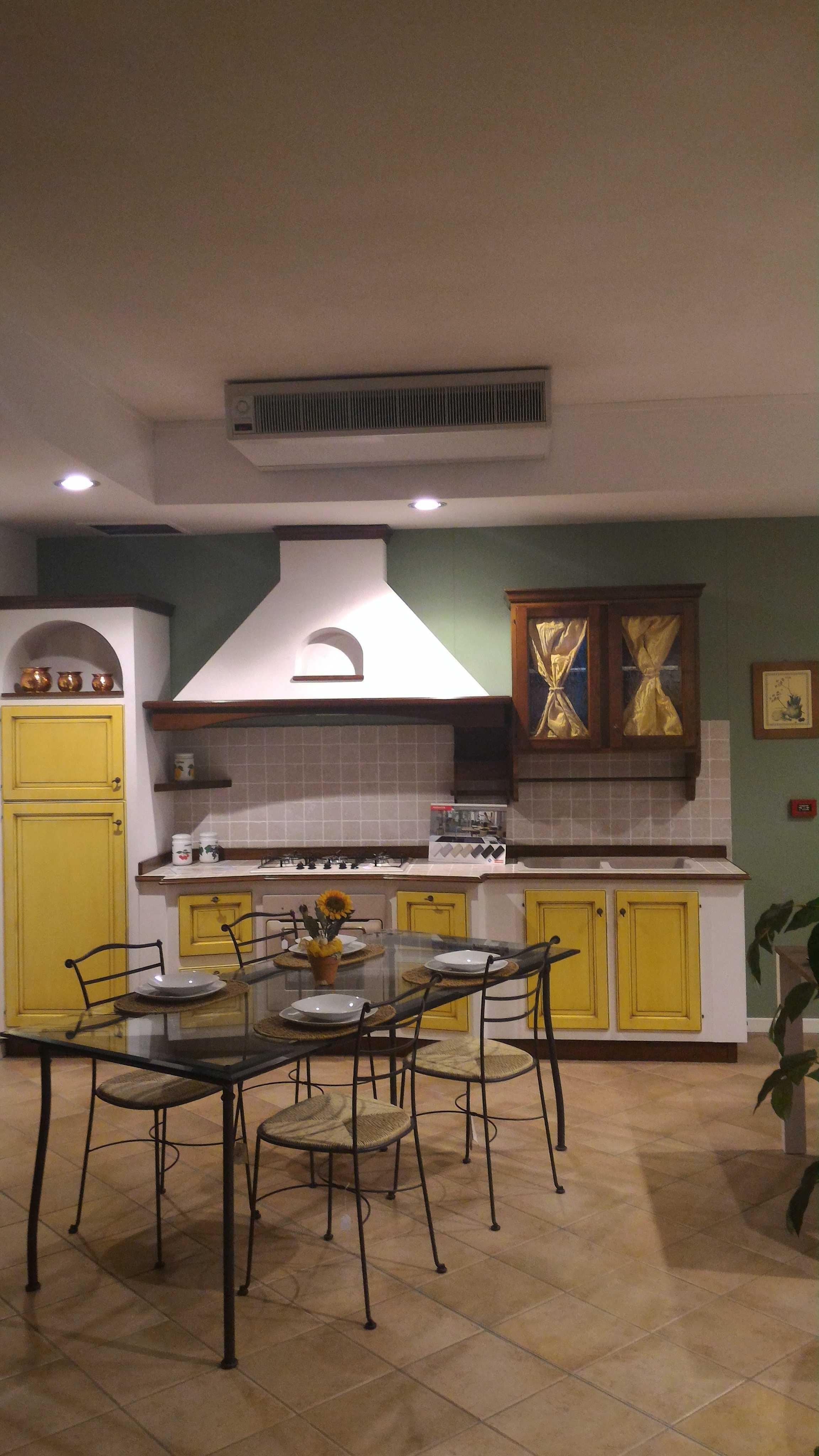 Cucina vittorina in massello e finta muratura cucine a - Cucina finta muratura prezzi ...