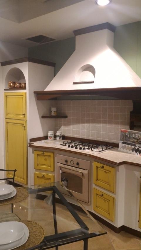 Cucina vittorina in massello e finta muratura cucine a - Cucina finta muratura ...