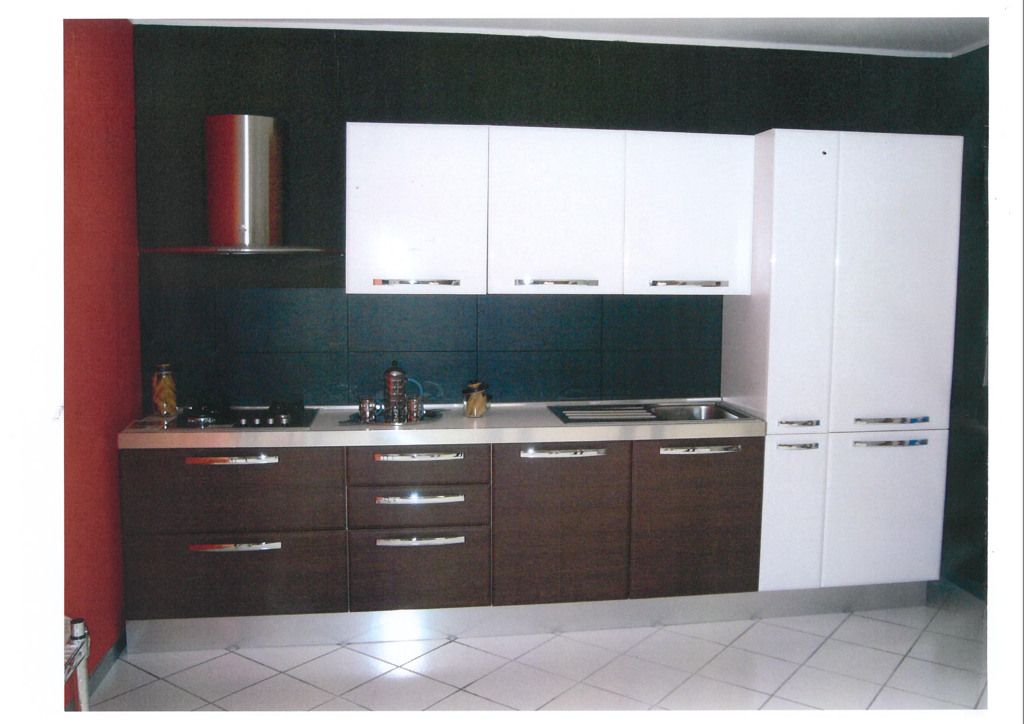 Cucina zaccariotto sapy moderna laminato opaco rovere moro - Laminato in cucina ...