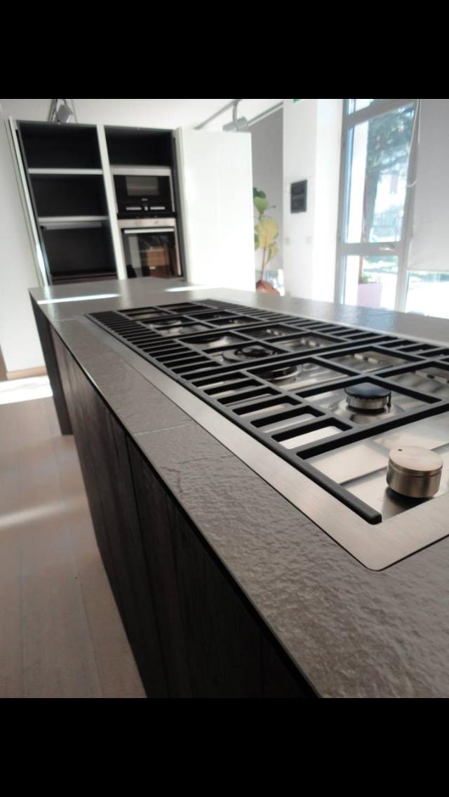 Cucina Zampieri a isola in rovere termico scontatissima - Cucine a ...