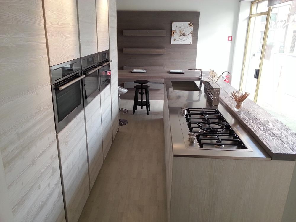 http://www.outletarredamento.it/img/cucine/cucina-zanotto-mirandola-moderna-legno-neutra_O3.jpg