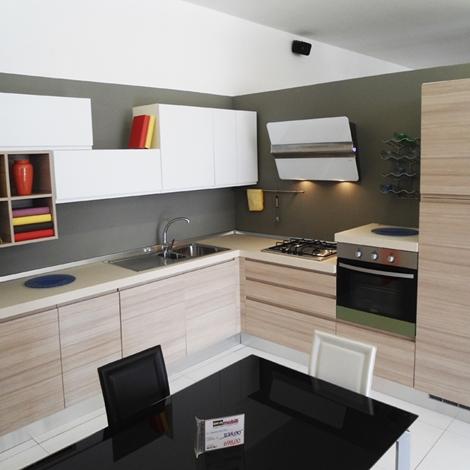 Cucina angolare essebi scontata del 54 cucine a prezzi - Top cucina porfido ...