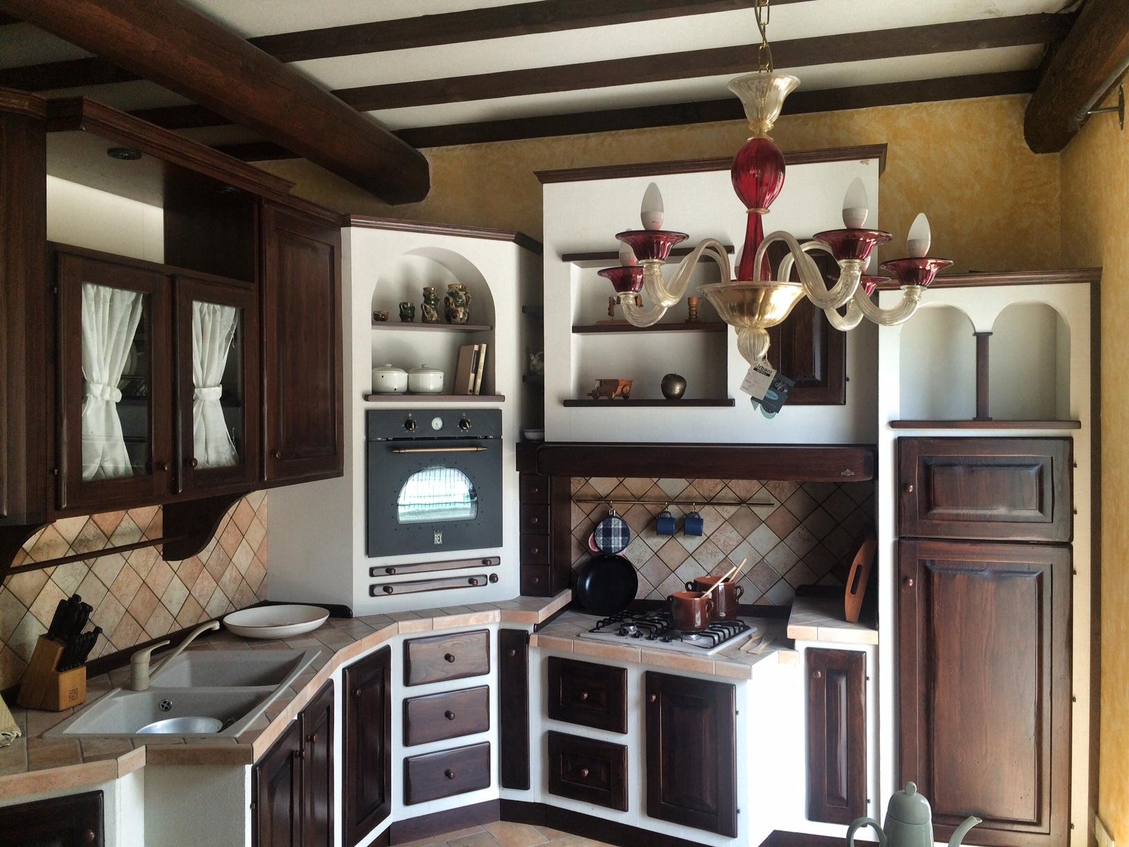 Cucine ad angolo zappalorto a prezzi scontati cucine a for Esempi di cucine in muratura