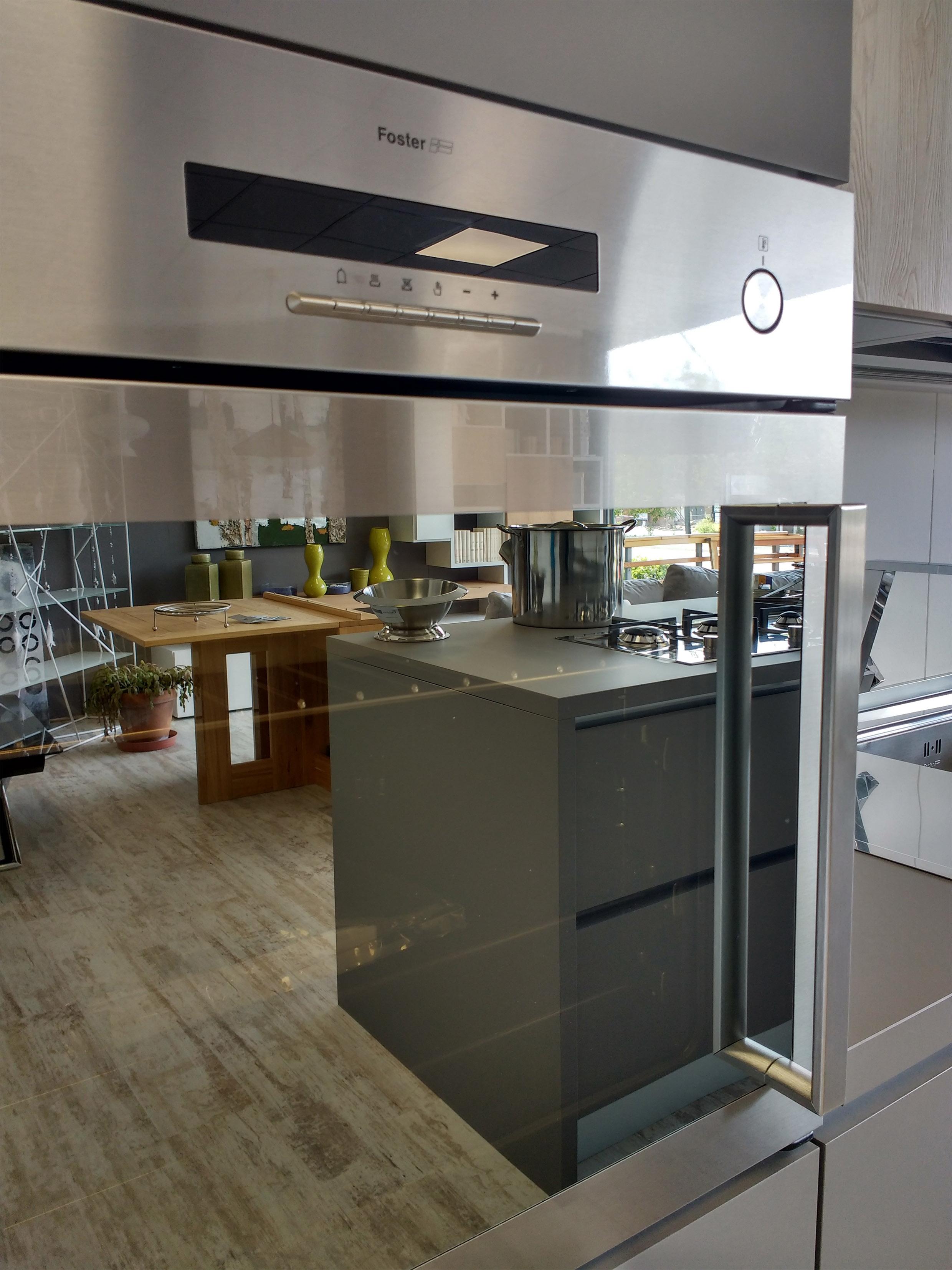 Cucine con isola Gory Cucine  mod. Geo Fenix scontata del 46% - Cucine a prezzi scontati