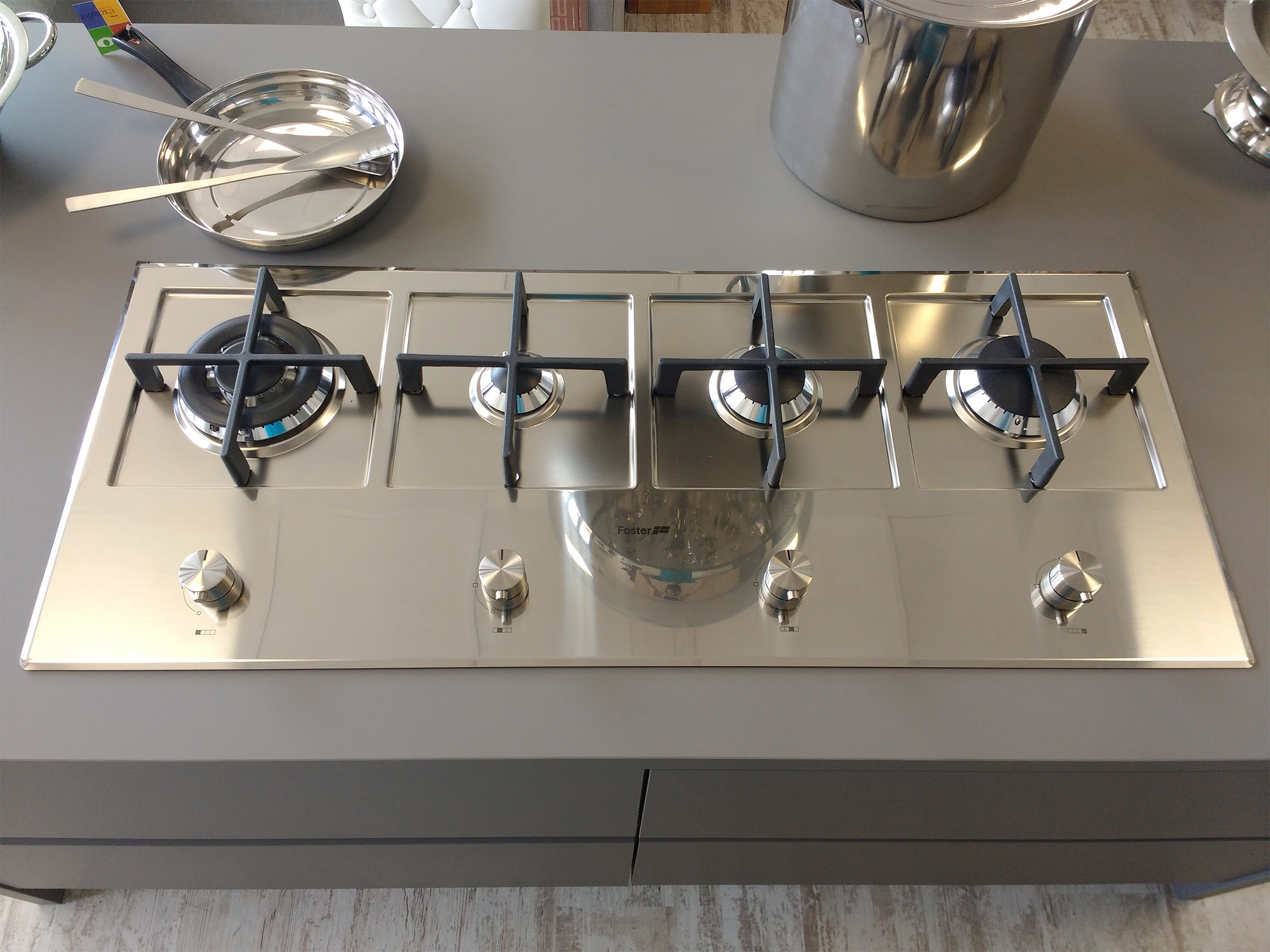 Outlet cucine con isola fabulous cucina arclinea gamma for Cucine con isola centrale outlet