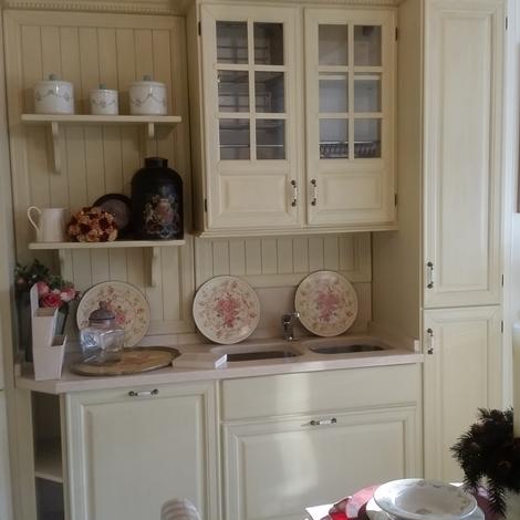 Cucine Cucina Provenzale scontato del -45 % laccata - Cucine a ...